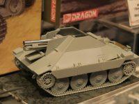 ドラゴン 1/35 WW.II ドイツ軍 15cm s.IG.332(Sf)重歩兵砲搭載 38(t)ヘッツァー駆逐戦車 模型ホビーショー2016