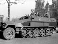 1/35 Sd.Kfz.251 中型装甲兵員輸送車 プラモデル キット一覧